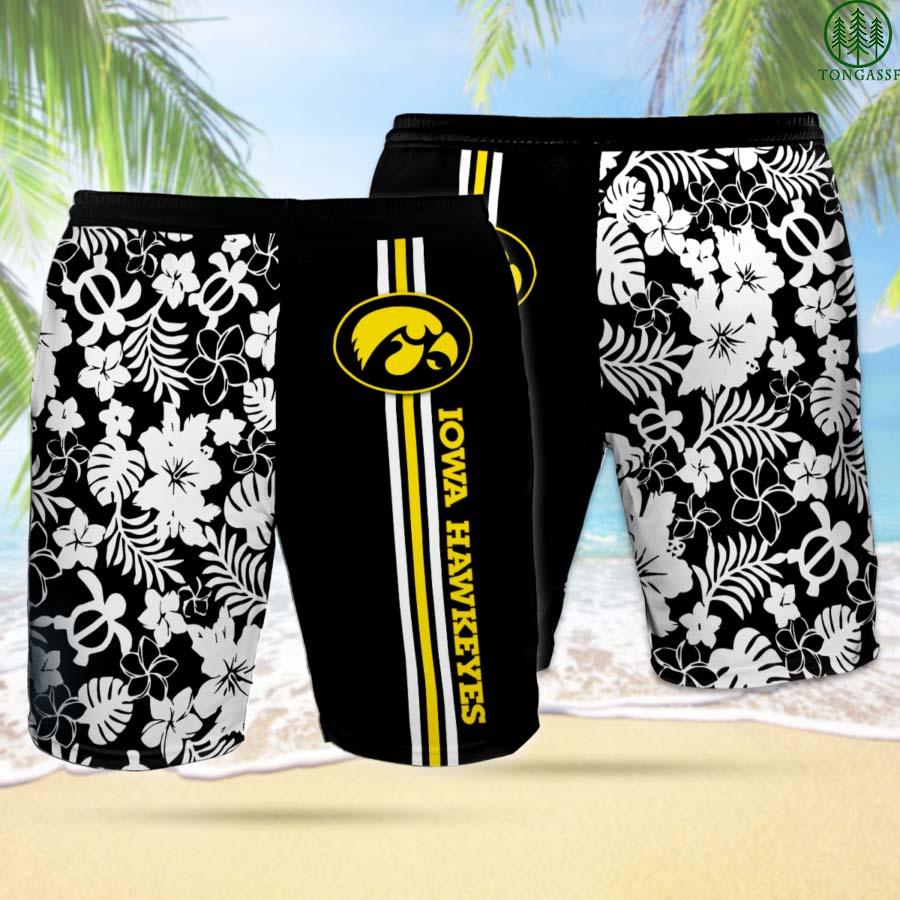 IH IOWA HAWKEYES Hawaiian Shorts