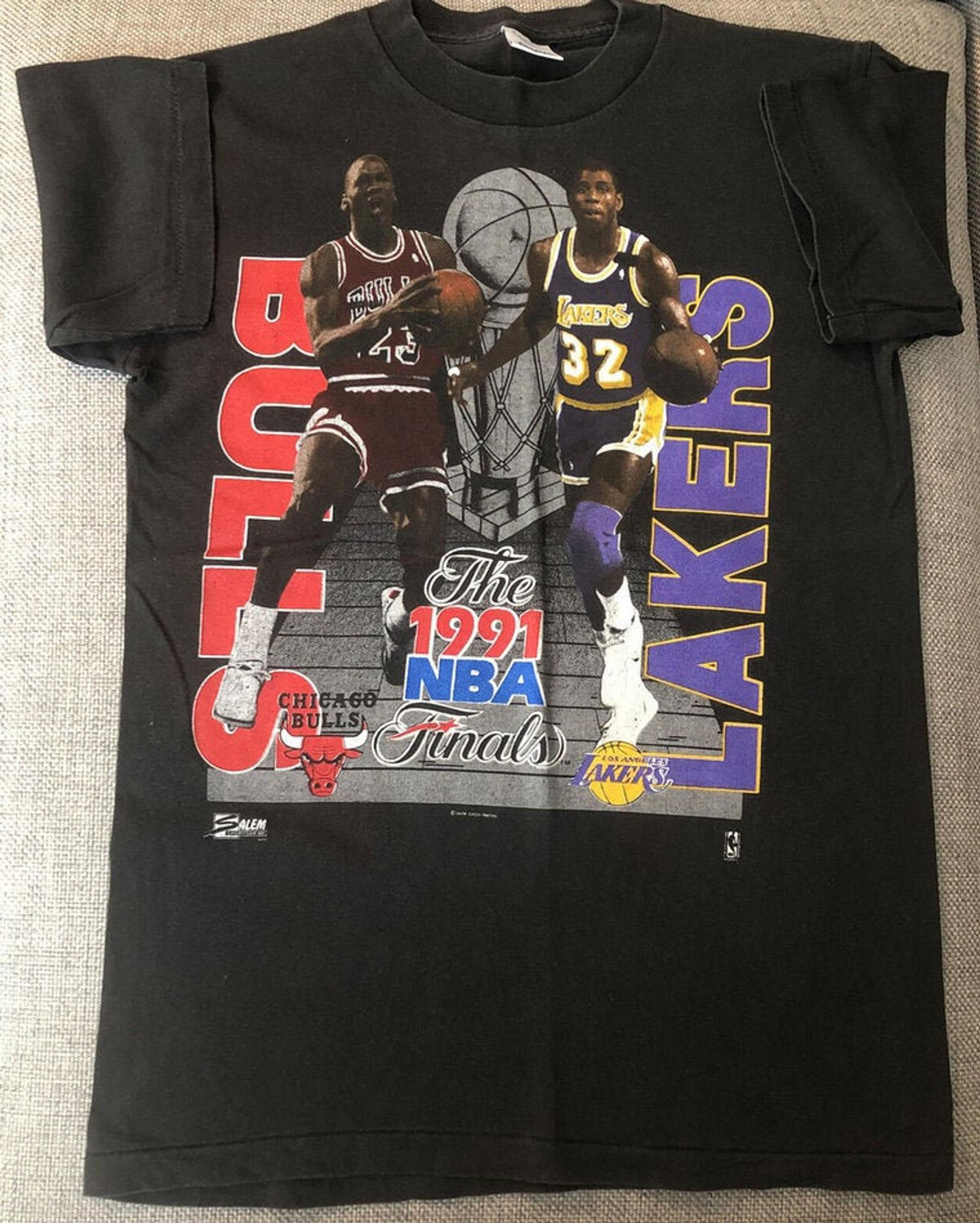 Vintage 1991 NBA Finals Michael Jordan Magic Johnson S Bulls Lakers Los Angeles Lakers Logo Shirt