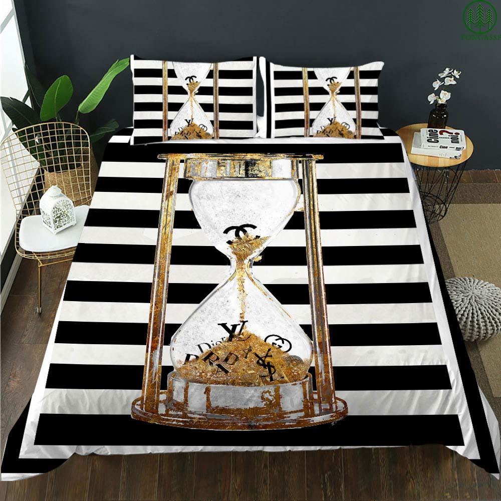 Chanel LV Gucci Luxury brand hourglass bedding set