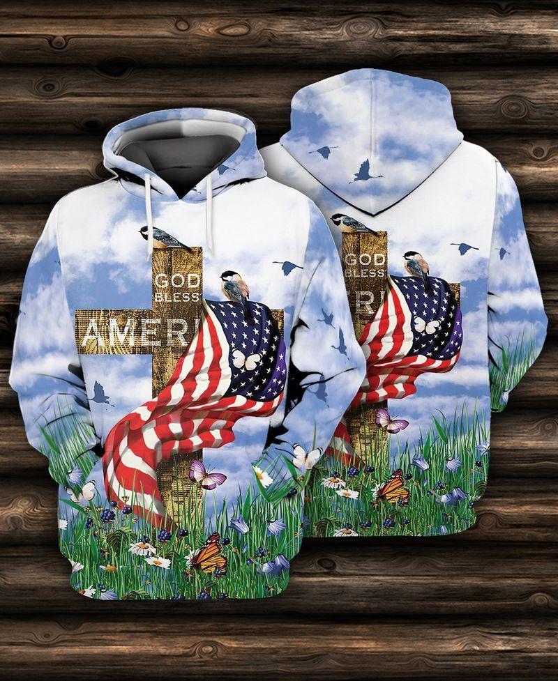 God bless America wooden cross and grenn grass Hoodie Sweatshirt